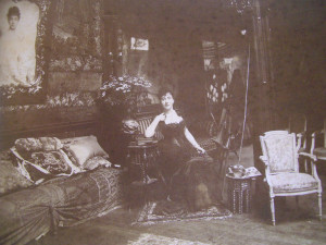 Madeleine-Lemaire--1845-1928--chez-elle